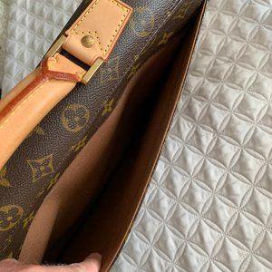 Louis Vuitton Bags - Louis Vuitton Monogram Handbag Briefcase